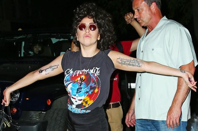 Lady Gaga Shows Tattoo