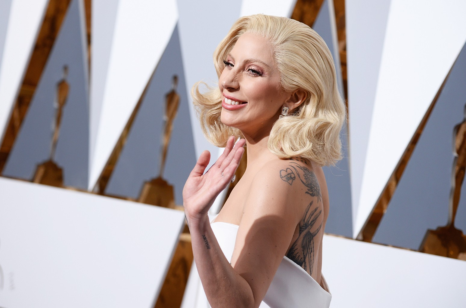 Lady Gaga attends the 2016 Annual Academy Awards