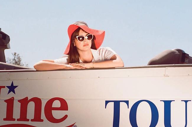 "Lana Del Rey's 2015 ""Honeymoon"" single."