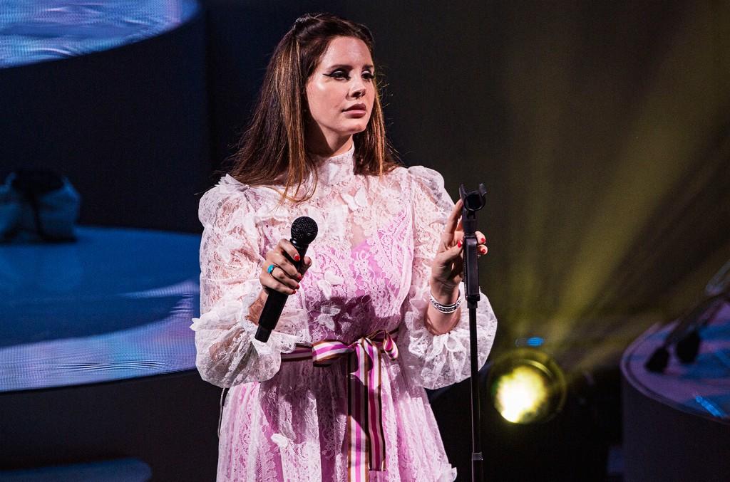 Lana Del Rey Shares Moody Recital of 'Salamander': Watch