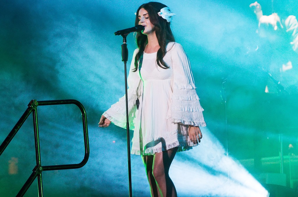 Lana Del Rey performs during Lollapalooza