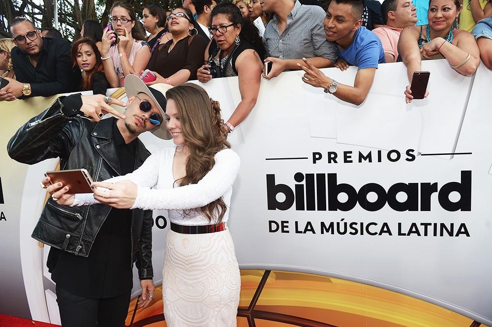Jesse & Joy arrive at the 2016 Billboard Latin Music Awards