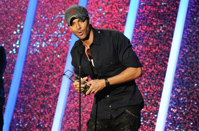 Enrique Iglesias onstage during the 2014 Billboard Latin Music Awards
