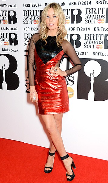 laura-whitmore-brit-awards-red-carpet-2014-600