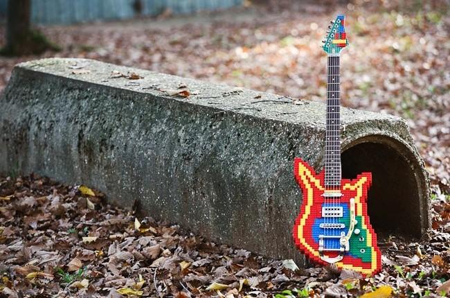 lego-guitar-pavan-wood-works