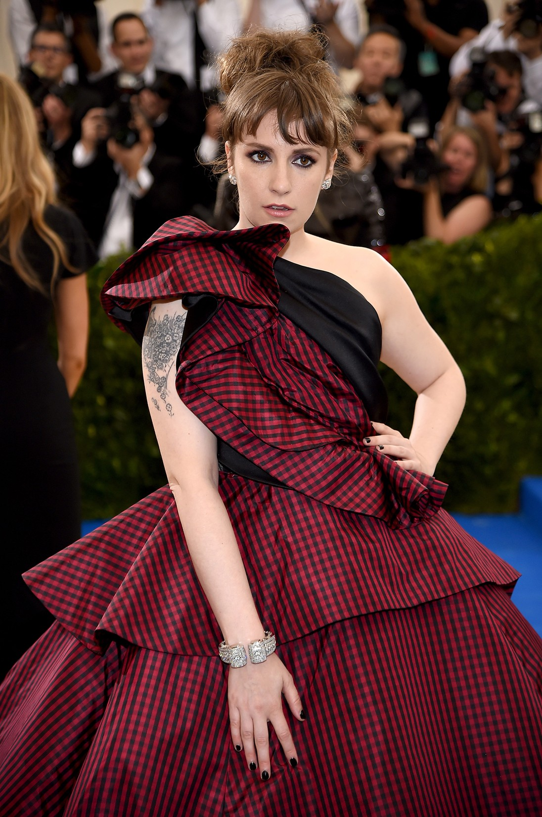 "Lena Dunham attends the ""Rei Kawakubo/Comme des Garcons: Art Of The In-Between"" Costume Institute Gala at Metropolitan Museum of Art on May 1, 2017 in New York City."