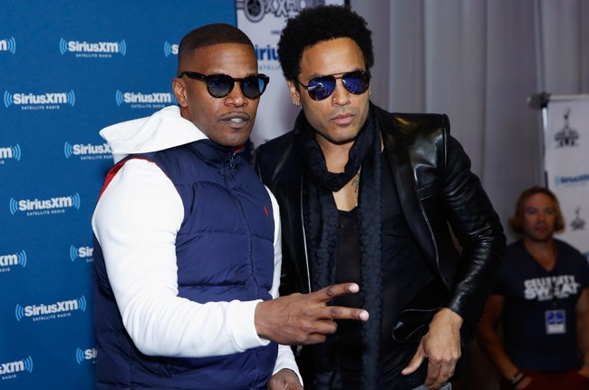 lenny-kravitz-jamie-foxx-super-bowl-2015-billboard-650