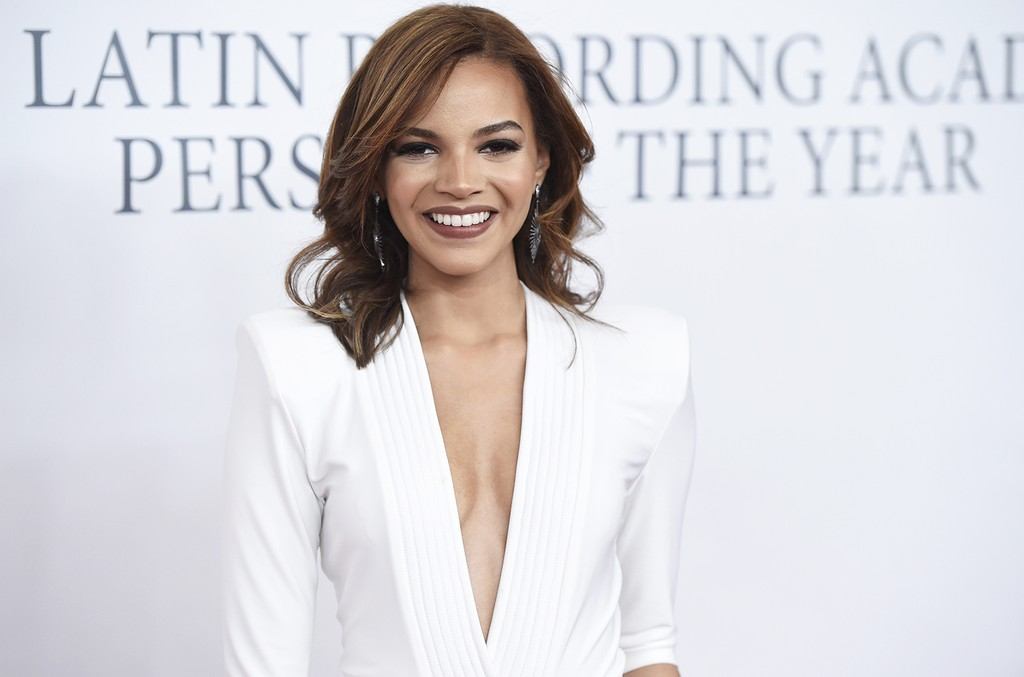 Leslie Grace at the 2015 latin grammys