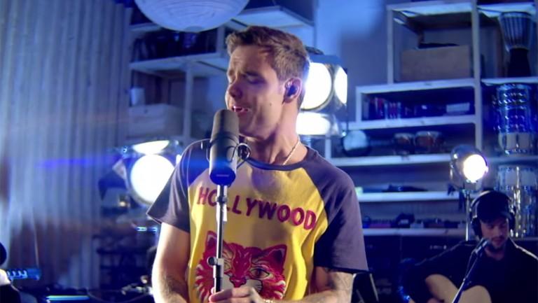 Liam Payne S Bedroom Floor Acoustic Performance Video Billboard Billboard