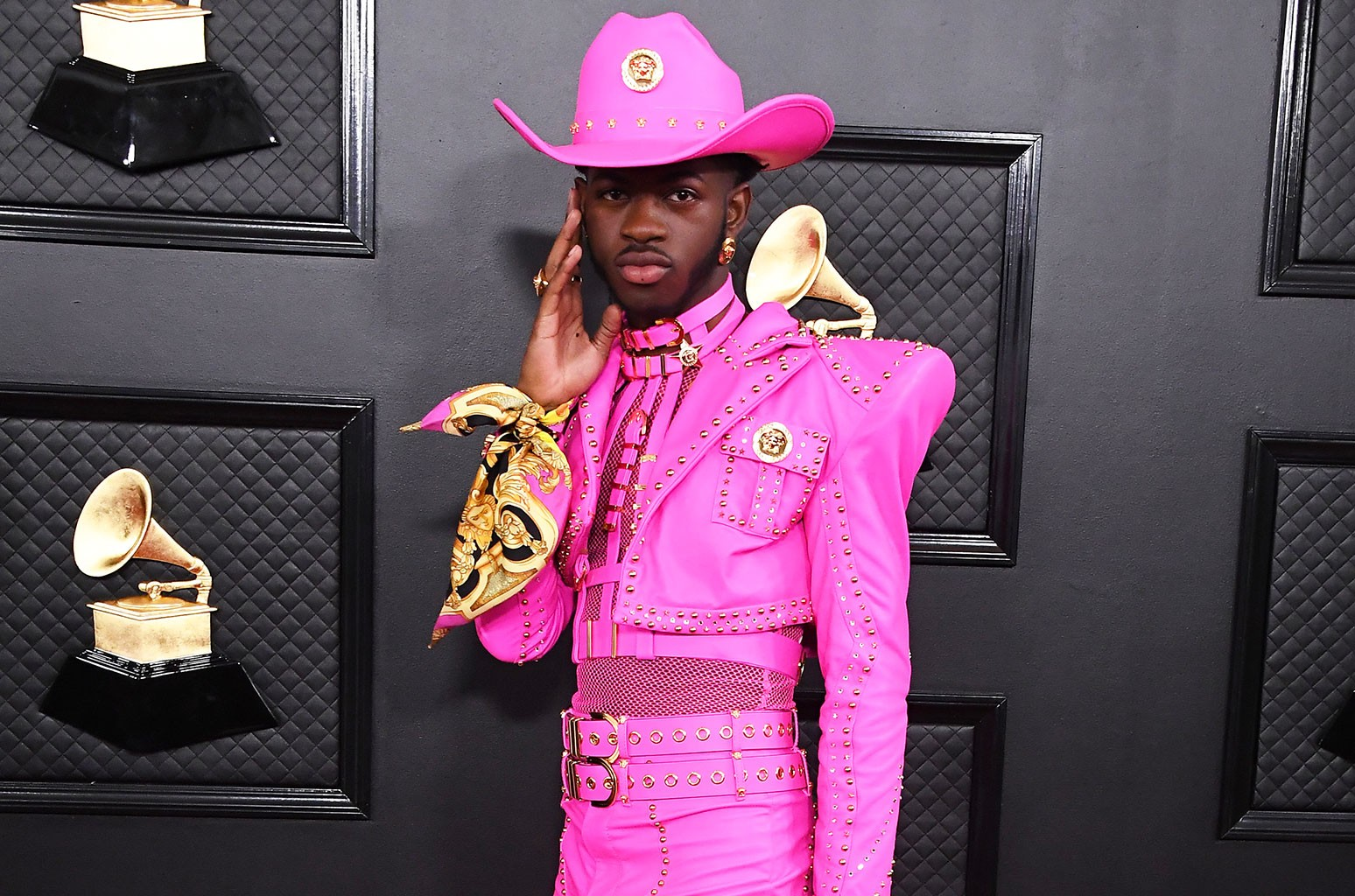 here are the 10 best red carpet looks from the 2020 grammys billboard red carpet looks from the 2020 grammys