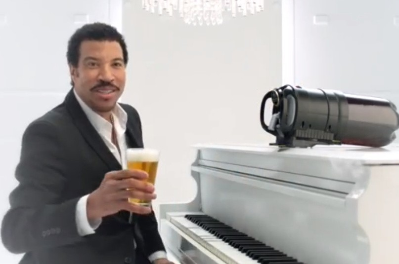 lionel-richie-tap-king-beer