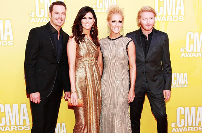 little-big-town-red-carpet-cma-awards-650-430