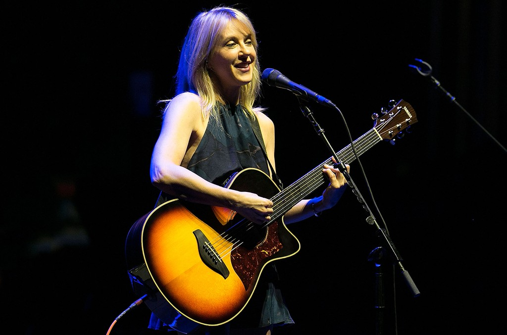 Liz Phair performs at The Theatre at Ace Hotel on March 26, 2016 in Los Angeles.