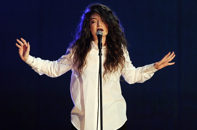 lorde-2-grammy-noms-show-650-430
