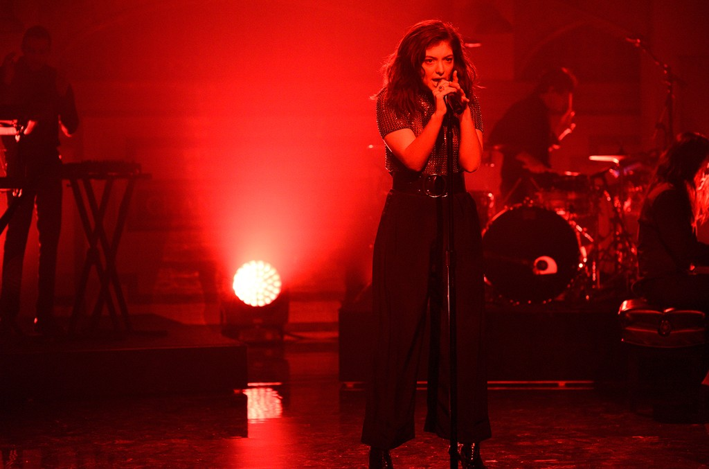 Lorde performs on 'Saturday Night Live' on March 11, 2017.