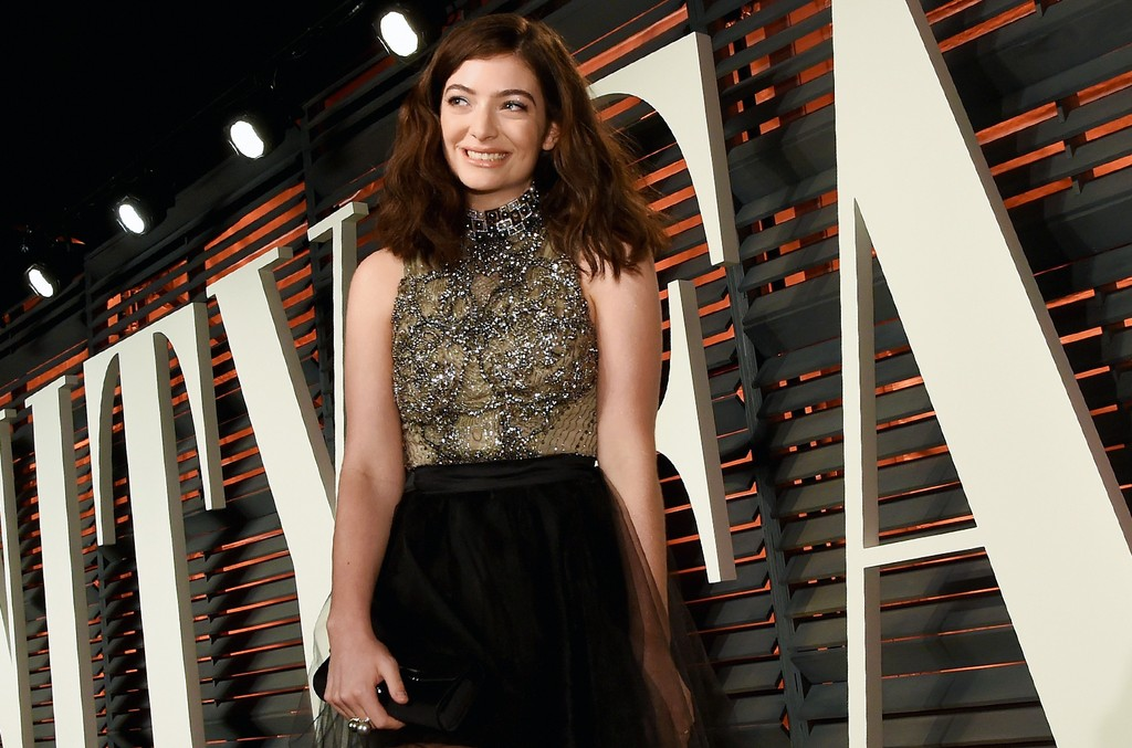 Lorde attends the 2016 Vanity Fair Oscar Party