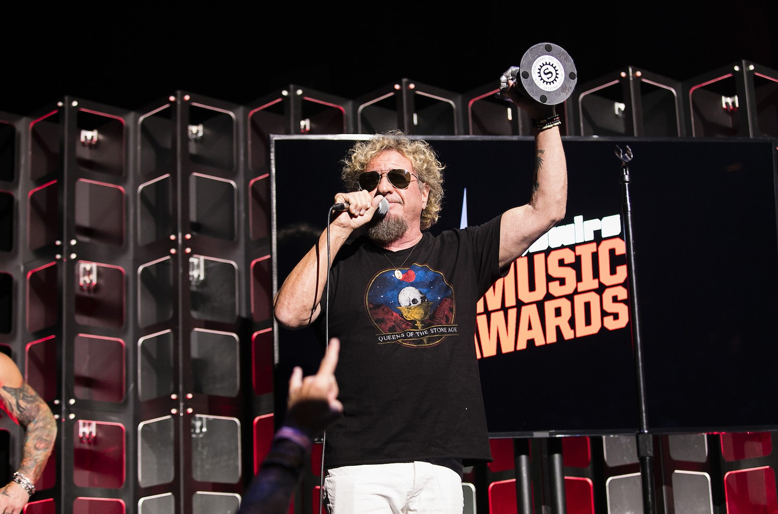 Sammy Hagar accepting the humanitarian award.