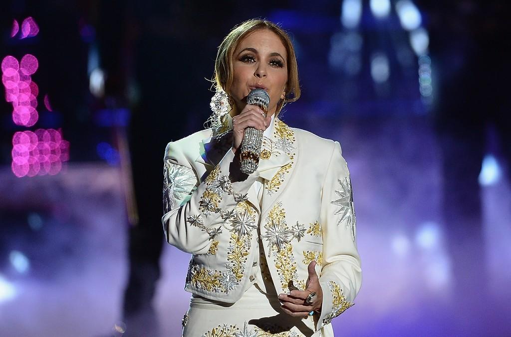 Lucero performs at Telemundo's Premios Tu Mundo Awards