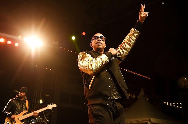 ludacris-peach-drop-new-years-eve-2014-2015-billboard-450