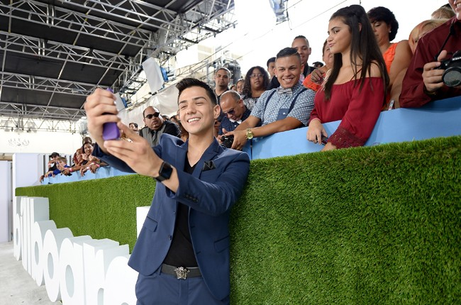 Luis Coronel arrives at the 2015 Billboard Latin Music Awards