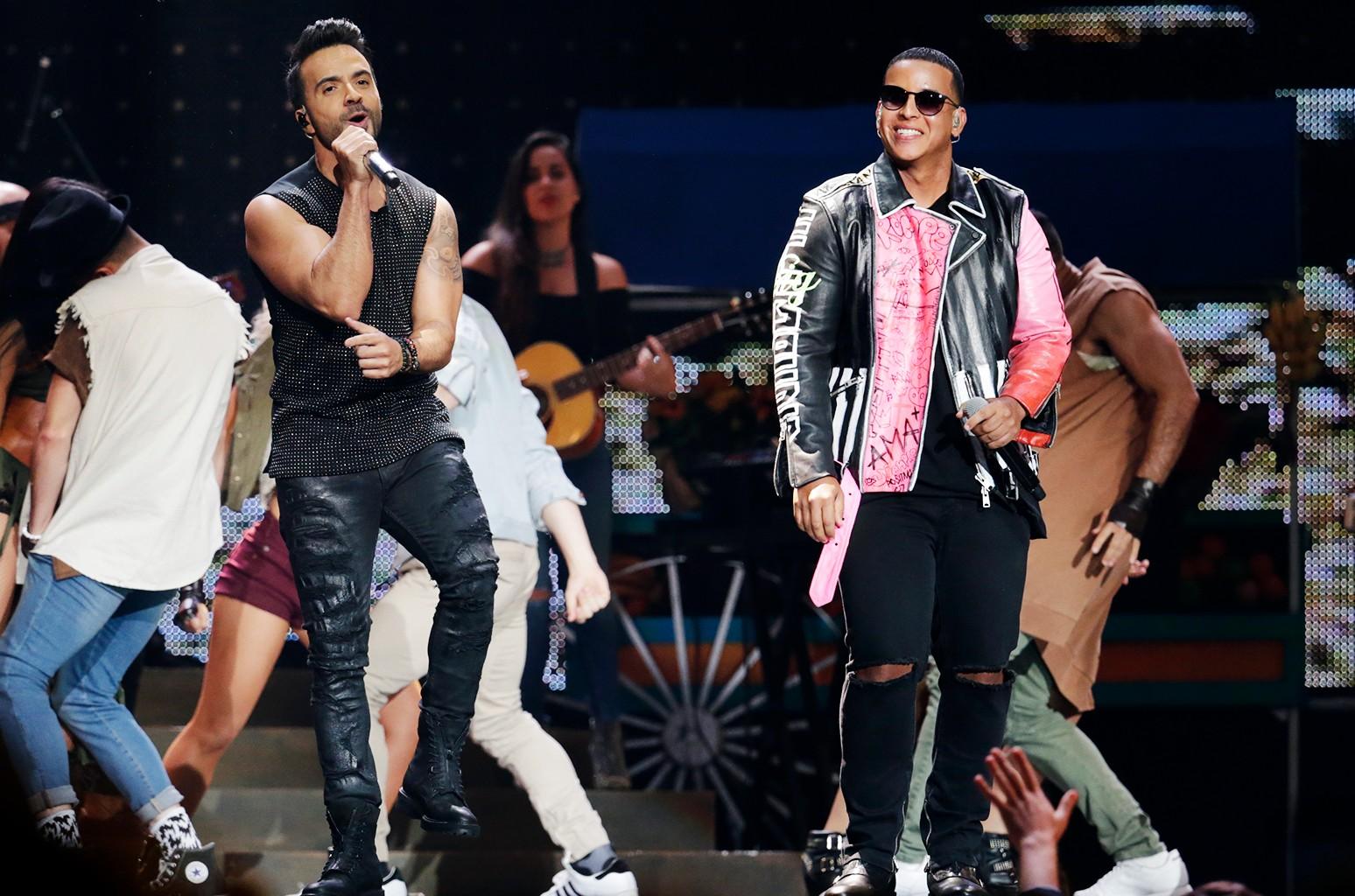 Luis Fonsi & Daddy Yankee, 2017