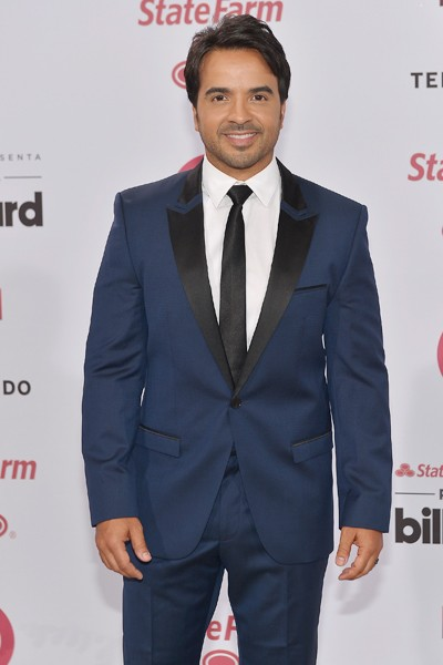Luis Fonsi arrives at 2015 Billboard Latin Music Awards