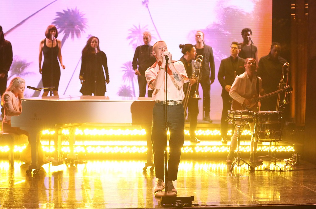 """Macklemore performs """"Glorious"""" on The Tonight Show Starring Jimmy Fallon on June 28, 2017."""