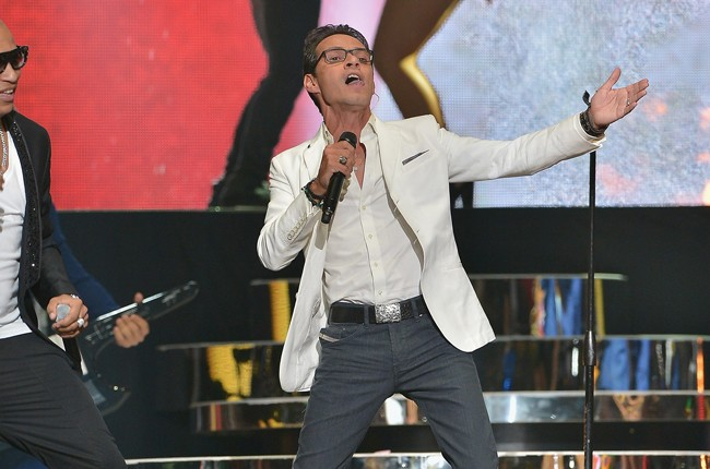 Marc Anthony performs onstage at the 2015 Billboard Latin Music Awards