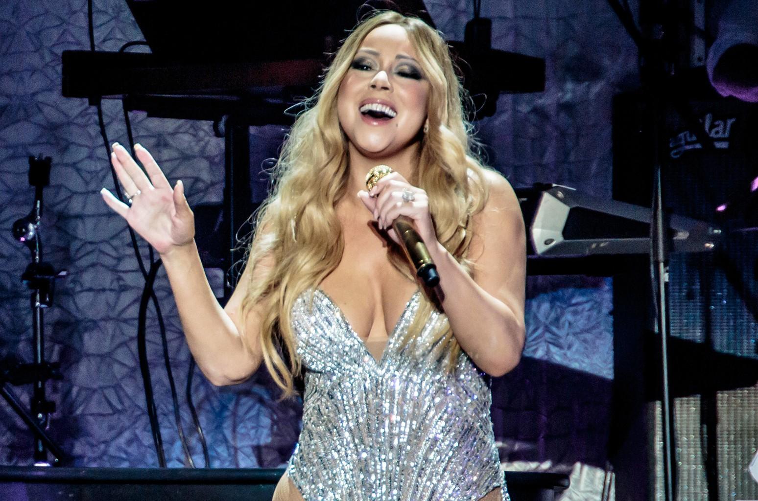 Mariah Carey performs on April 16, 2016.