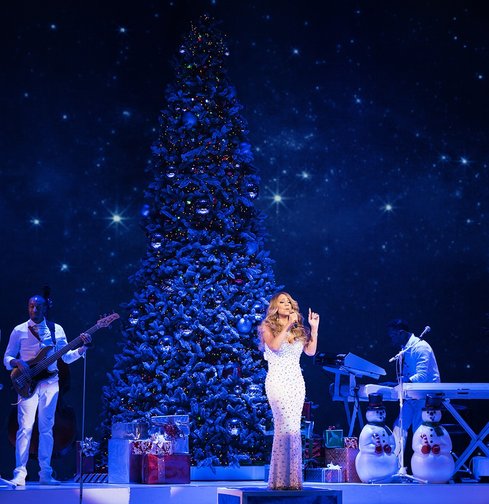 """Mariah Carey """"All I Want For Christmas Is You"""" concert"""