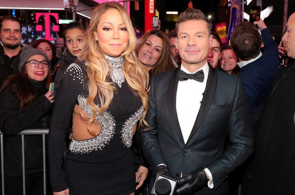 Mariah Carey and Ryan Seacrest speak during Dick Clark's New Year's Rockin' Eve 2017
