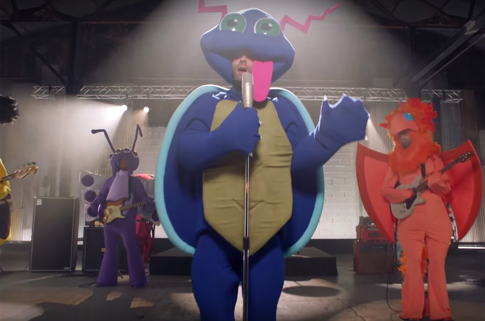 "Maroon 5 in the video for ""Don't Wanna Know."""