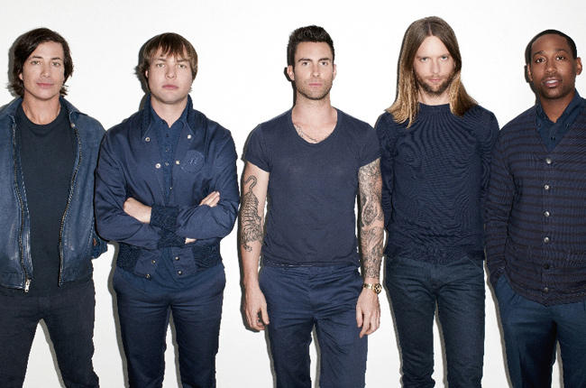 MAROON 5 GROUP SHOT TOUR ARTICLE