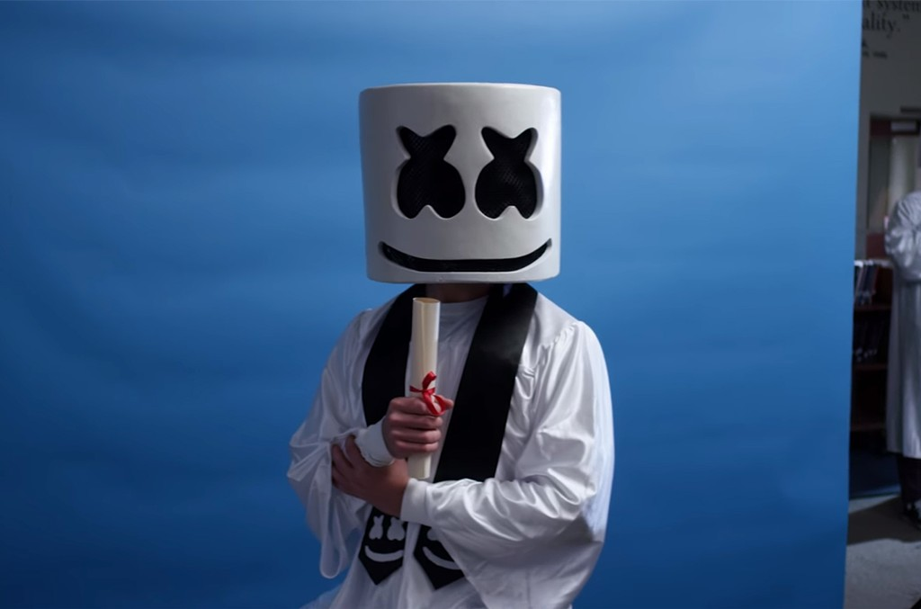"Marshmello, ""Moving On"""