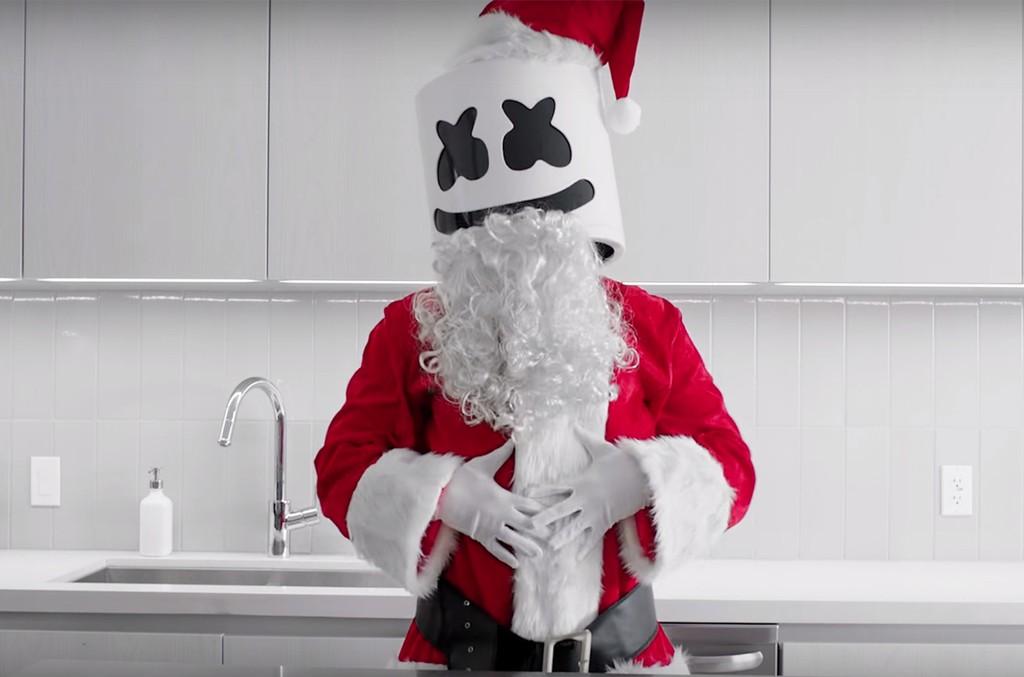 Cooking with Marshmello: Strawberry Santas