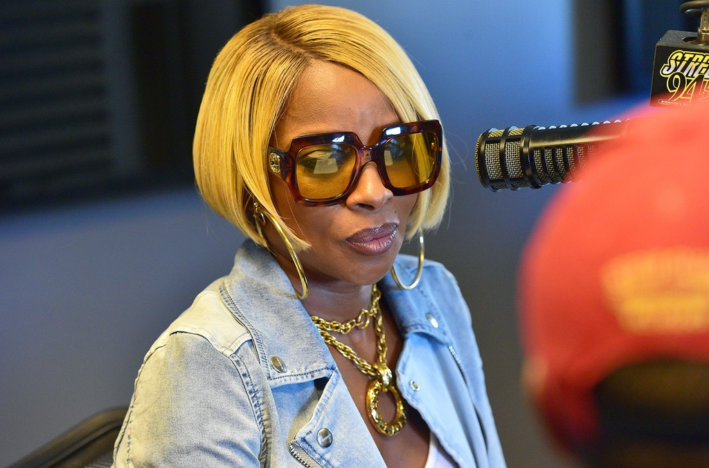 Mary J. Blige attends a Meet and Geet and Interview for Streetz 94.5 at 94.5 Studio on April 26, 2017 in Atlanta.