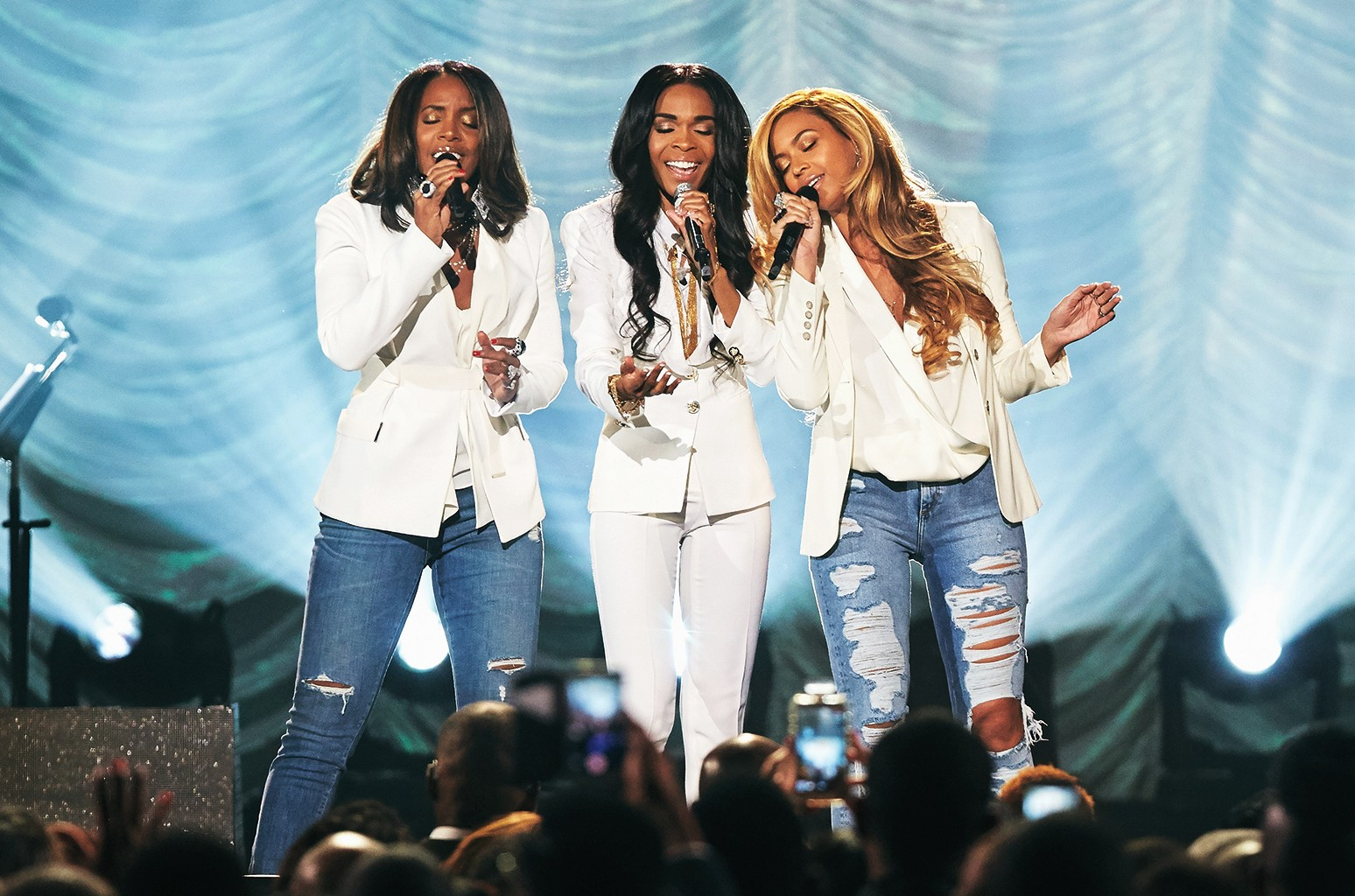 """Michelle Williams, Kelly Rowland and Beyonce performing """"Say Yes"""" during the 30th Annual Stellar Awards at the Orleans Arena on March 28, 2015 in Las Vegas."""