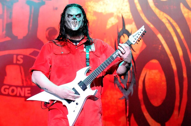 Mick Thomson of Slipknot performs 2011