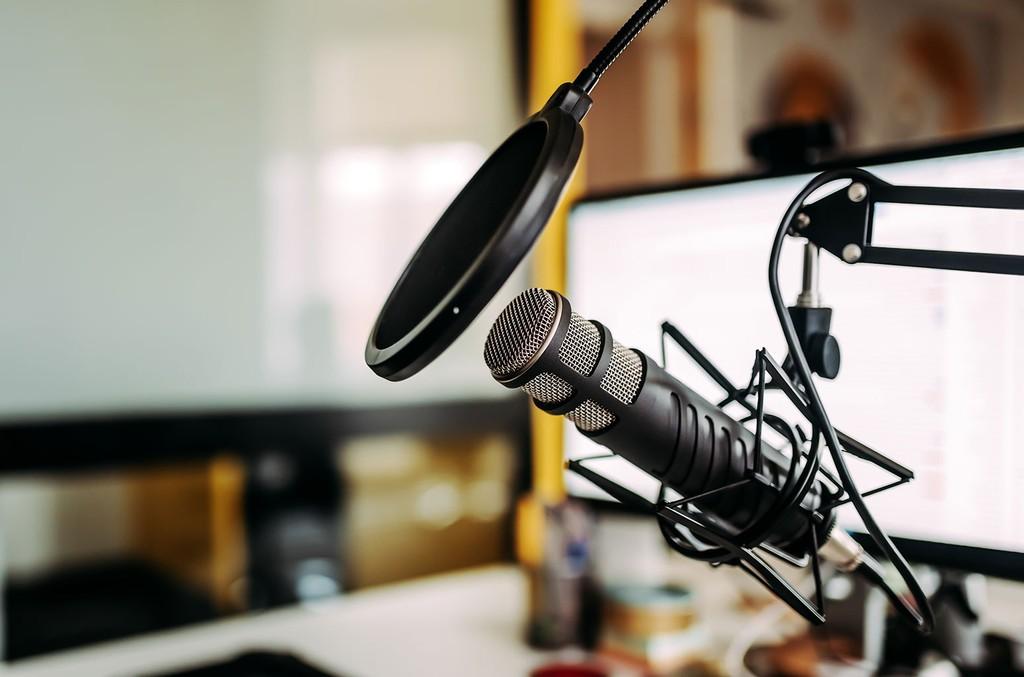 microphone-in-podcast-studio-billboard-1548