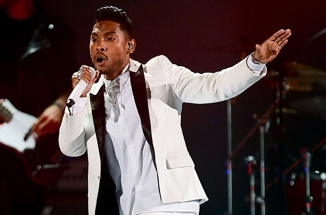 Miguel performs during the 2013 Billboard Music Awards