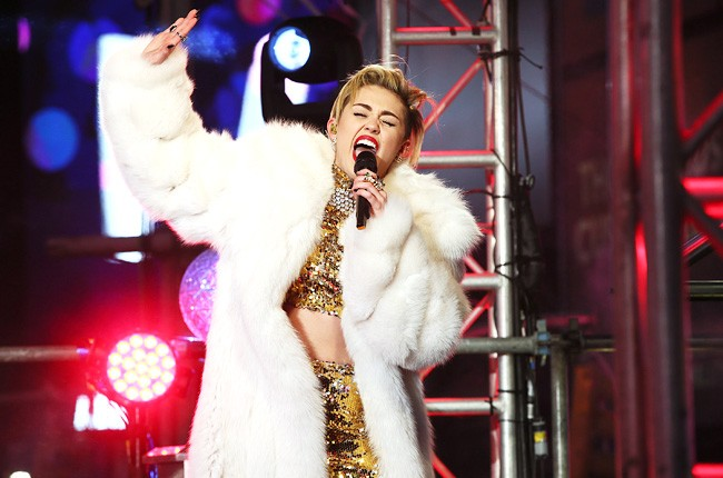New Year's Eve 2014: Miley Cyrus, Billy Joel Highlight Star-Studded Night |  Billboard