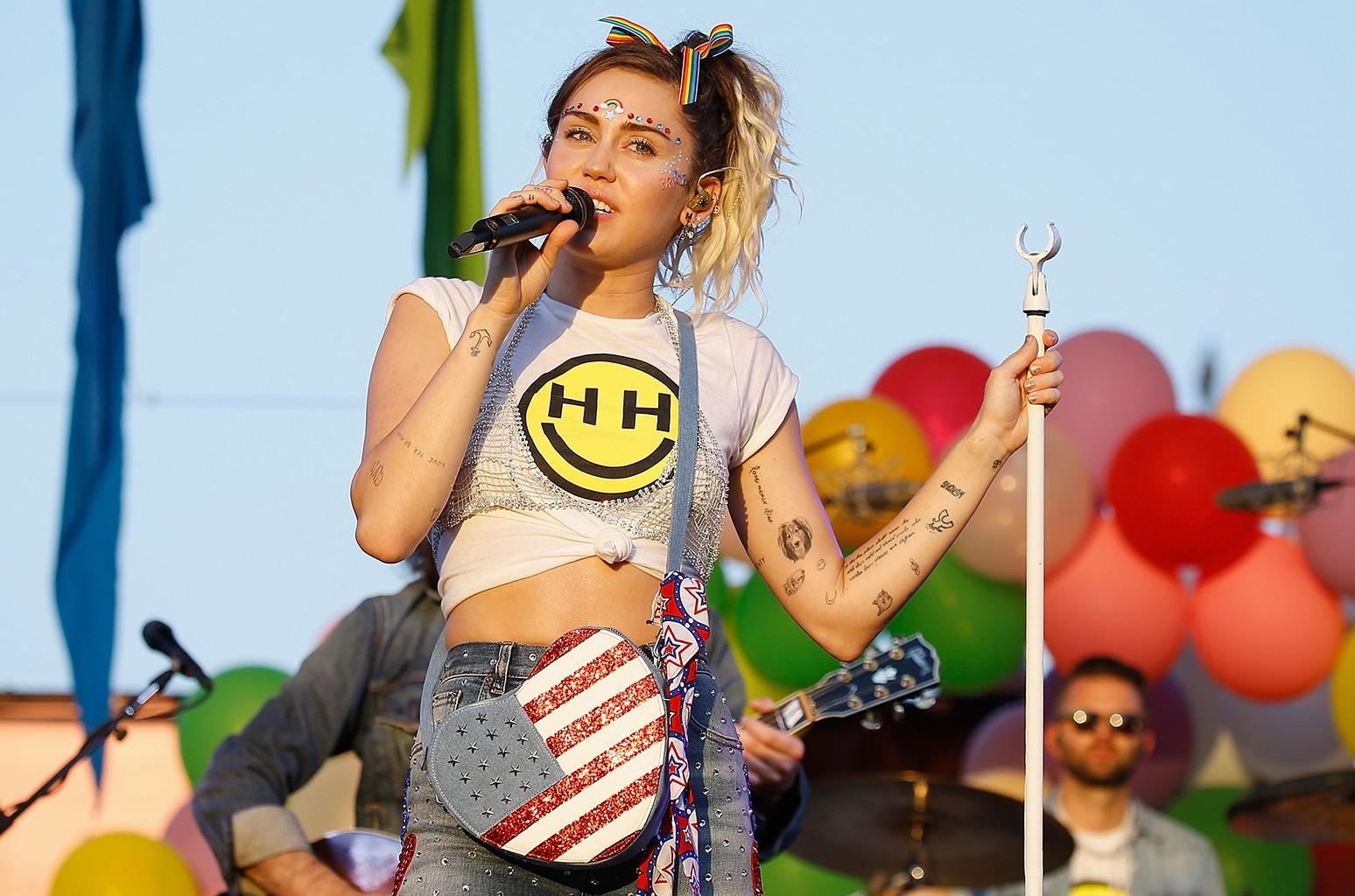 Miley Cyrus, 2017