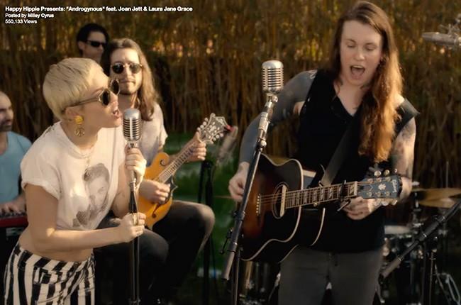 Miley Cyrus Laura Jane Grace Joan Jett