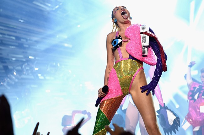 Miley Cyrus performs onstage during the 2015 MTV Video Music Awards