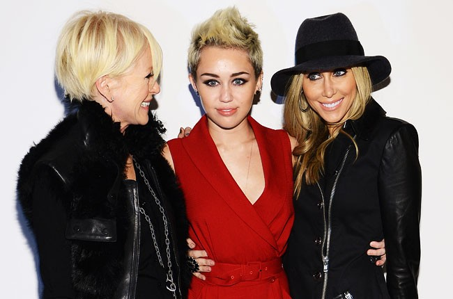 miley-cyrus-tish-cyrus-nyfw-fall-2013-650-430