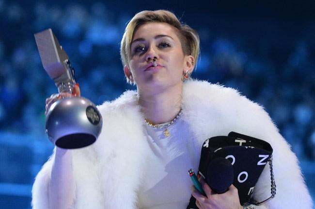 Miley Cyrus, MTV EMAs