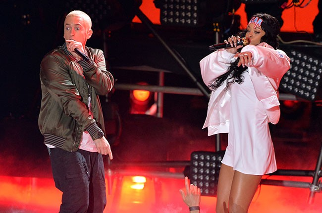 Eminem peforms 'The Monster' with Rihanna at the 2014 MTV Movie Awards