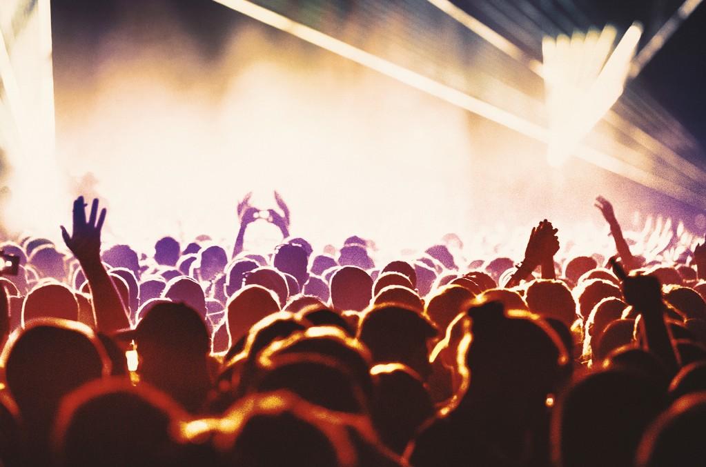 music-festival-crowd-atmosphere-2019-billboard-u-1548