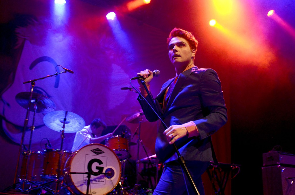 """Gerard Way performs in support of his """"Hesitant Alien"""" release at The Fillmore on October 12, 2014 in San Francisco, California.  (Photo by Tim Mosenfelder/Getty Images)"""