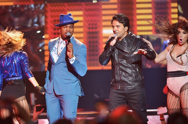 Ne-Yo and Enrique Iglesias performs onstage at the 2015 Billboard Latin Music Awards